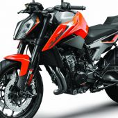 KTM_790_DUKE_orange_MY18_LeFront